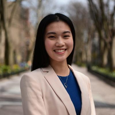 Vivian Dinh Headshot